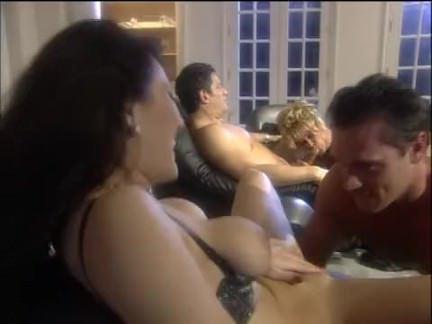 Милфа порно Роговой домохозяйка Групповой секс большой секс видео