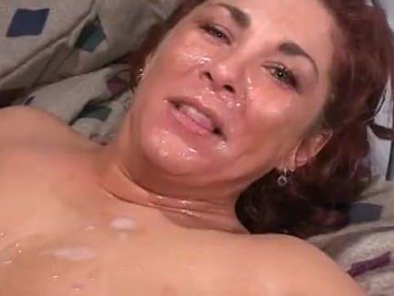 Милфа порно Пышнотелая мамаша и много роговой дикс секс видео