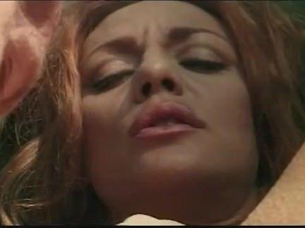 Милфа порно Спорт на открытом воздухе с грудастая рыжая милфа секс видео