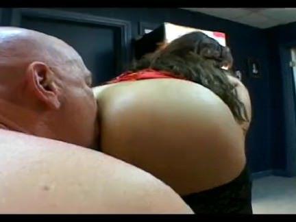 Милфа порно Камминг на всем протяжении ее задницу секс видео