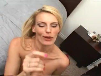 Милфа порно Дэррил хана блондинка хуй присоски секс видео