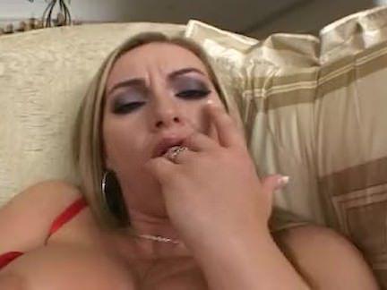 Милфа порно Алина открывает свою ракушку, чтобы показать вам ее Перл секс видео