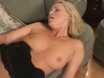 Милфа порно Черные парни чертовски роговой блондинка секс видео