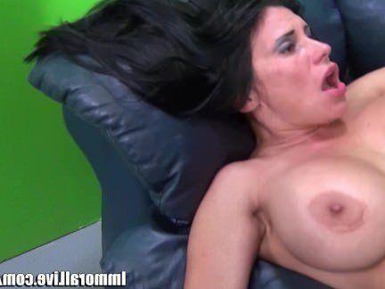 Милфа порно Безнравственный Принц Яшуа трахает Шейлу Мари секс видео