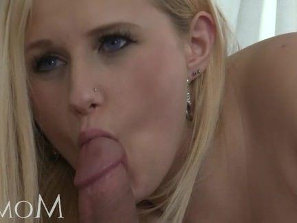 Милфа порно Мама-блондинка знакомства одинокая мама секс видео